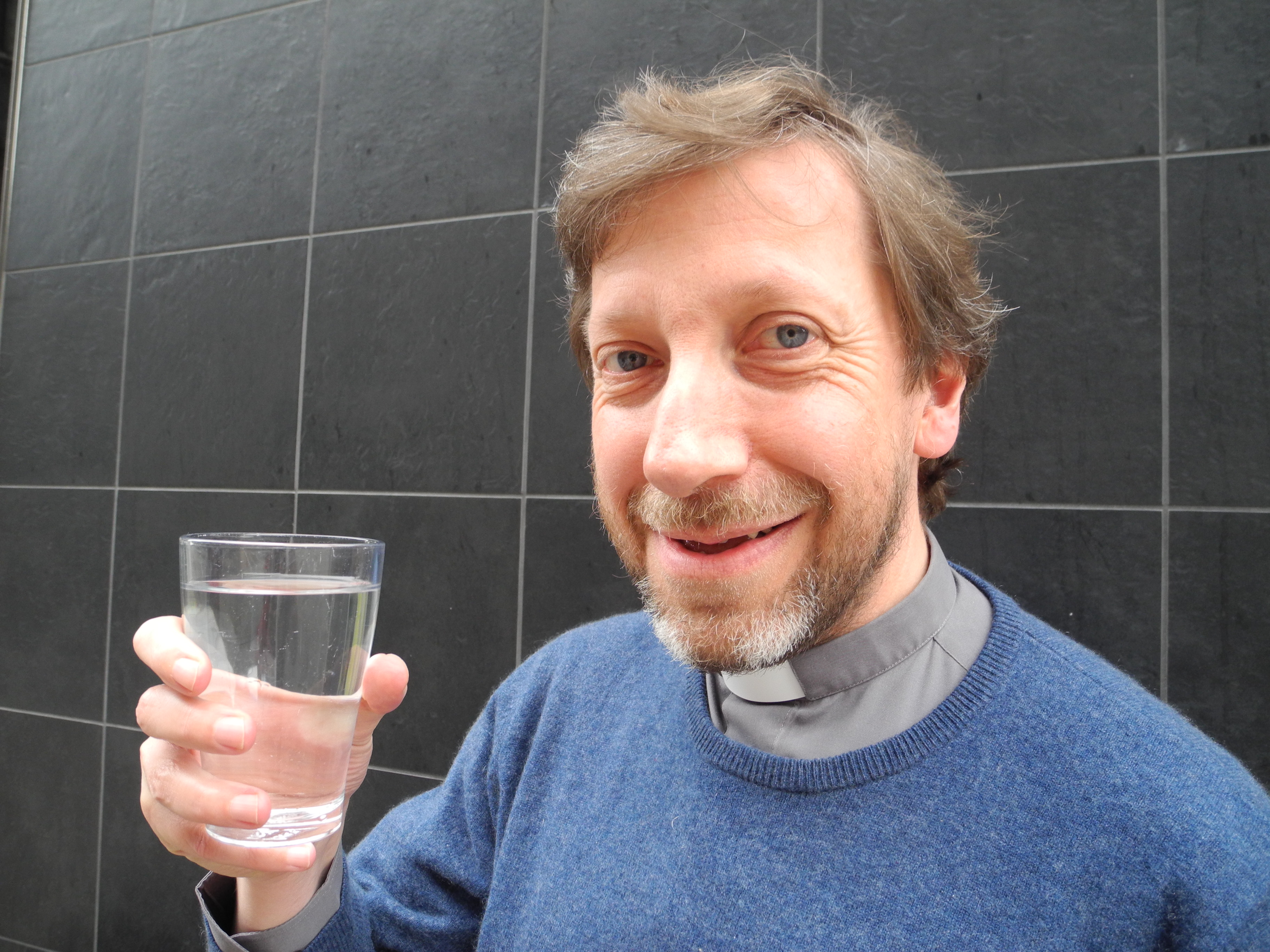 Father Rob starts his water challenge