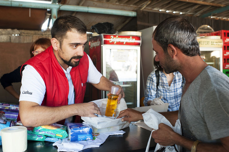 With CAFOD's support, Caritas Serbia is distributing food, water and emergency supplies.