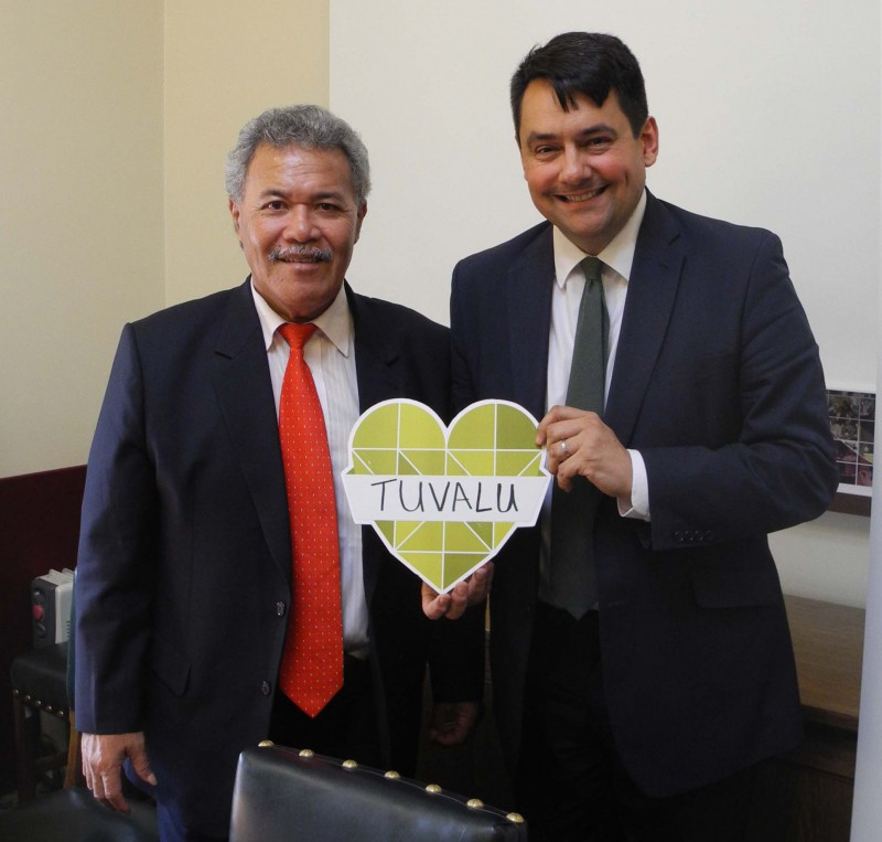 Prime Minister Enele Sopoaga with Stephen Twigg MP, Chair of the International Development Committee