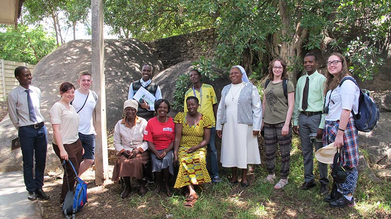 Members of the Shemware Dzedu organising committee with the Mavambo staff and the Step into the Gap volunteers