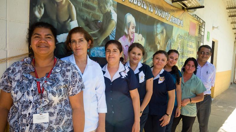 CAFOD El Salvador Ana Manganaro Clinic staff