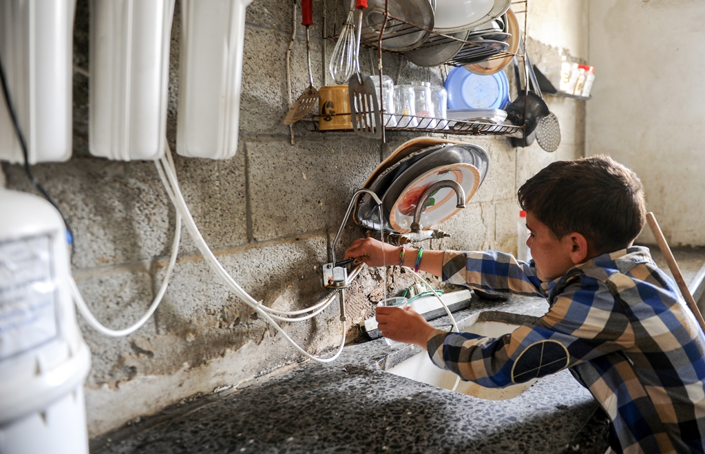 Drinking clean water in Gaza
